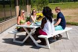 Vivere BDAT-WH Banquet Deluxe 8-Seat Aluminum Picnic Table, White